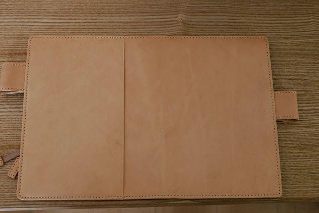ヌメ革カバー